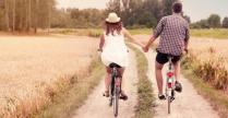 3 gjërat që çiftet e lumtura bëjnë çdo ditë